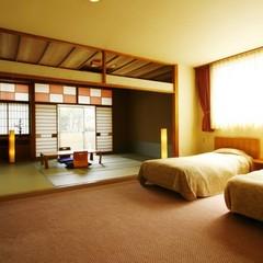 4階和洋室 和室8畳+ツインベッドルーム