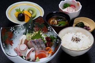 【夕食付】選べる夕食(1ドリンク付)&朝食付プラン【広島駅近】