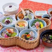 【軽めの夕食】日本海で獲れた新鮮なお造り付き 花かご弁当プラン