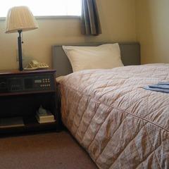 【シングルルーム】 広さ11平米 ベッド幅100cm
