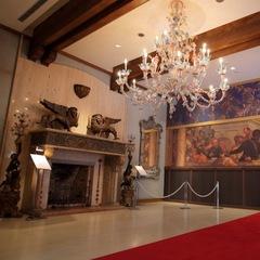 美しいヴェネチアングラスに異国情緒あふれる中世の世界へ【箱根ガラスの森美術館入館チケット付プラン】