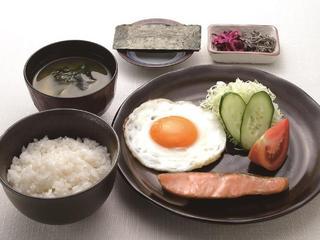 朝食付きプラン【早朝産みたて卵など】