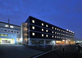 CVS・BAY HOTEL 本館 JR京葉線市川塩浜駅前
