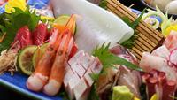 肉質日本一!!とろけるような口どけ「 鳥取和牛しゃぶしゃぶ」と「白イカ姿造里」を味わうグルメプラン!