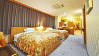 東館スイートルーム ベッド幅120cm 77平米