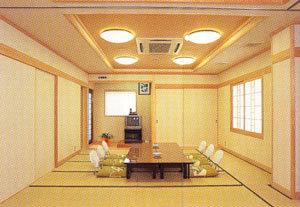 8畳和室(( Free Wi-Fi・有線LAN完備)