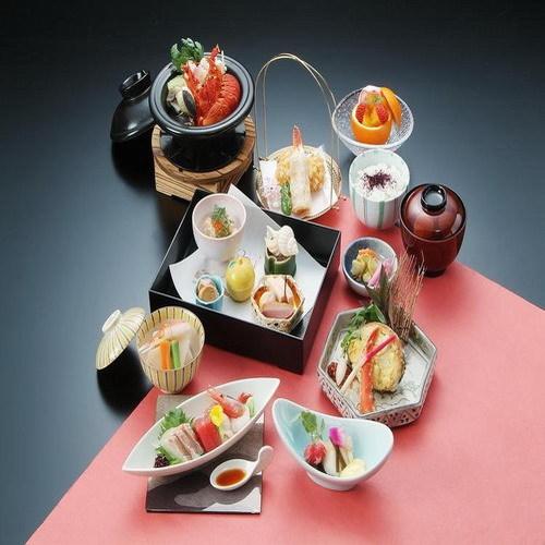 【当館人気!グルメ宿泊プラン】料理長のおすすめ懐石料理コース☆充実のお食事内容でおもてなし♪