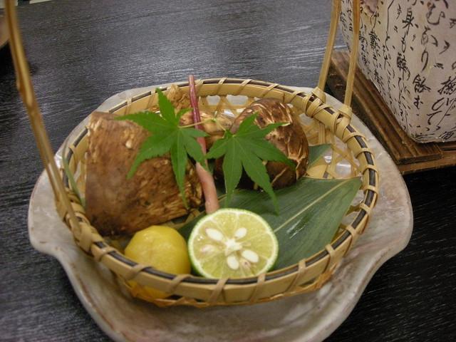 【秋得】期間限定!風味で味わう秋の味覚◆特選松茸&近江牛会席◆天然水プレゼント