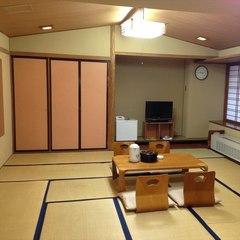 和室20畳〇大部屋、風呂なし、和式トイレ、禁煙〇