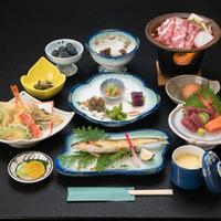 【夕食付・朝食なし】登山やハイキングの朝出発に便利!地産地消の郷土料理と日本百名山に囲まれた源泉温泉