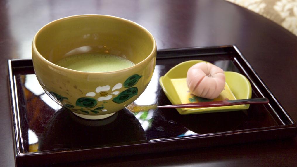 【憧れの一品】金沢の限られた場所でのみ味わえる和菓子「吉はし」とお抹茶付き 朝食付