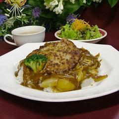 【ホテルのお勧め】ハンバーグハヤシライスのお気軽な夕食でお得に1泊2食(現金特価)