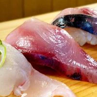 【山で海の幸を楽しむ】ご夕食は郷の鮨たむら・味処漁火で!!地元の味プラン
