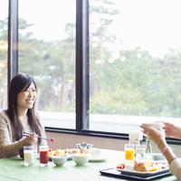 【足立美術館入館券付】17年連続日本一の日本庭園★ご夕食は人気のバイキングを満喫♪