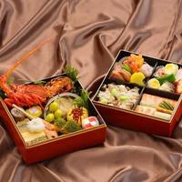 日本料理「おりじん」謹製「極み二段重」をテイクアウト&お部屋でお召し上がりください(朝食なし)