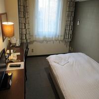 喫煙シングルルーム【16平米 140センチ幅ベッド】