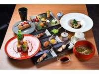 【串焼ワインバル華蔵】2名様限定 華蔵特別コースを満喫!【日曜日定休】/夕・朝食付