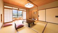 和室<広縁付>横湯川側/川のせせらぎが心地よい寛ぎのお部屋
