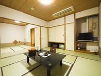 18畳2間続き客室※2部屋に仕切り分け可 (バス・トイレ付)