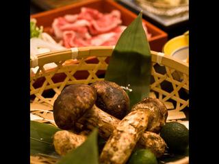 【秋限定】国産松茸を堪能♪ 焼き松茸など松茸3品&信州産牛しゃぶしゃぶ付きの贅沢ディナープラン♪