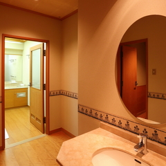 【お部屋もお風呂も広々2階20畳の特別室】長瀞渓谷・荒川と岩畳を望む眺望が自慢です♪
