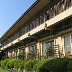 【1階・12畳のお部屋で夕食】旅館の醍醐味はやっぱり♪お部屋食!季節の会席料理をどうぞ♪