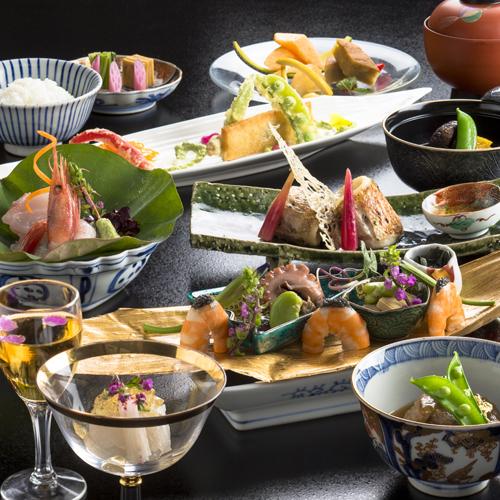 和食料理長が贈る☆季節の会席料理〜加賀の味力がぎゅっと詰まった創作性溢れる品々を〜