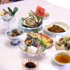 【日本海・橋立港直送】料亭「新保」こだわりの新鮮魚介を食す。海の幸を満喫!季節の磯料理プラン