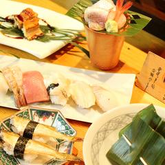 名物「炭火焼きすし」が自慢!一度は食べてほしい☆すし屋の「一久」で味わう新鮮魚介のおまかせ握り