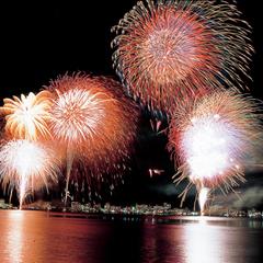 【お部屋で花火鑑賞】8月の毎夜開催★湖上を彩る花火をお部屋でのんびりと。カップルやお子様連れに