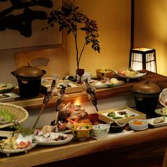 【 5組 】限定!!◇夕食・朝食個室食確約プラン◇囲炉裏会席と温泉でのんびりと