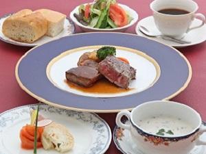 【特産A4ランク】近江牛ステーキコース(100g)のご夕食≪地元食材の朝食バイキング付≫
