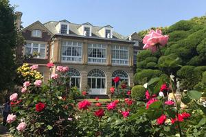 薔薇の洋館めぐりと浅草ビューホテル「武藏」人気のブッフェ