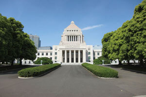 国会議事堂と東京スカイツリー®