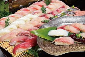 てんこもり南房総!地魚寿司食べ放題と花摘み・いちご・東京湾クルーズ
