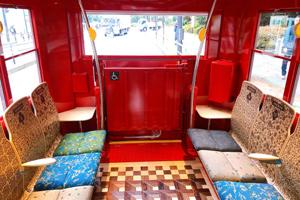 水戸岡鋭治氏デザイン真っ赤な電気バス「IKEBUS」で楽しむ桜ドライブ ~サンシャイン展望台チケットと軽食付~<10:50集合>
