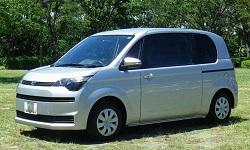 KUROBUTAレンタカーの★車種確約 スペイド★ 電動スライドドアとウォークスルーで快適乗車