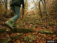 なまはげの由来とされる、伝説に彩られた999段の石段