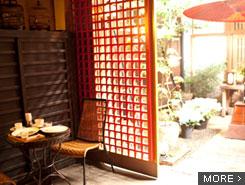 120年以上前の建物を改装。お気に入りの場所でカフェ時間