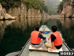 太古の自然が残る渓谷美。川舟から楽しむ瀞峡めぐり