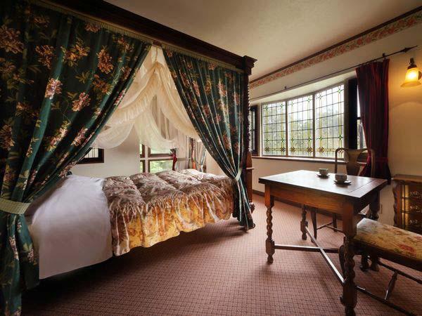 伊豆高原温泉 全室露天風呂付 英国調ホテル かえで庵