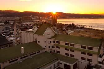 諏訪湖畔に佇む歴史ある宿 かたくら諏訪湖ホテル